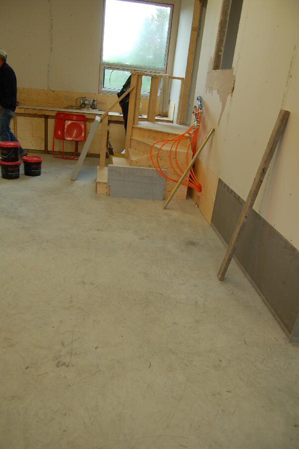 hydronic floor heating